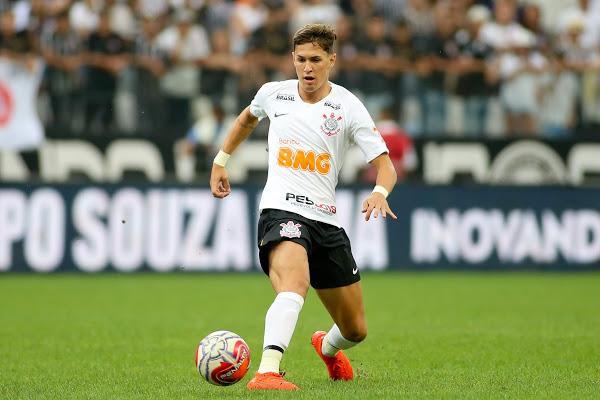 Carille esboça time do Corinthians com novidades no ataque para pegar o Grêmio