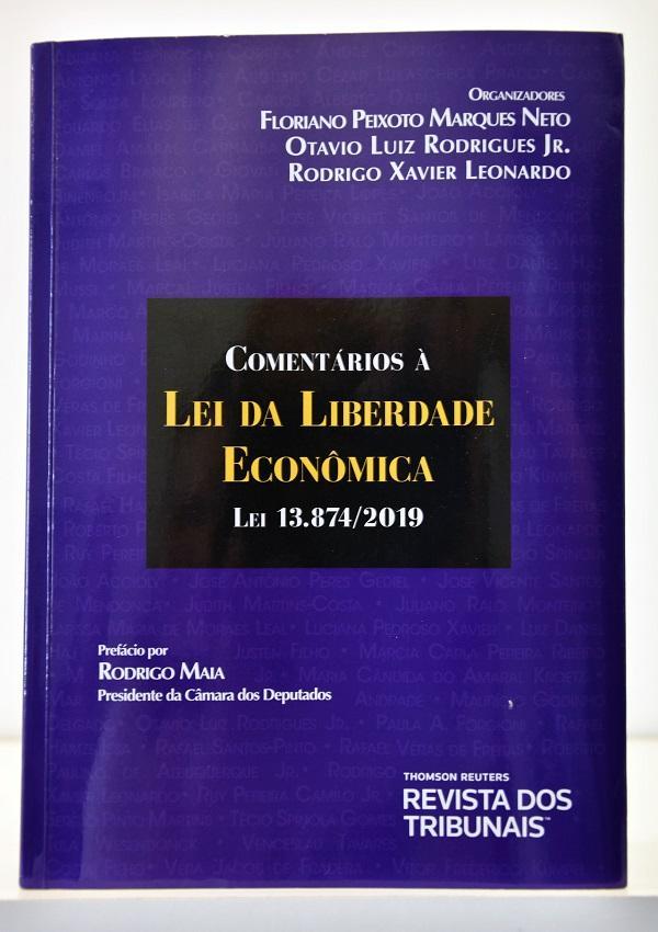Livro traz comentários sobre a Lei da Liberdade Econômica